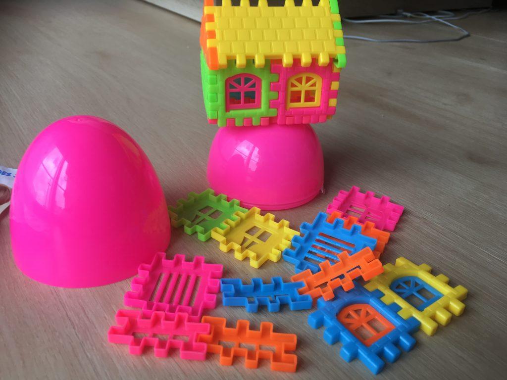 Surprise Eggs Toys building kit